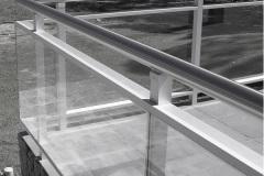 BARANDAS Y ESCALERAS - Aluminio y vidrio contenido